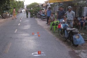 Xót xa bé trai 2 tuổi bị xe máy tông tử vong