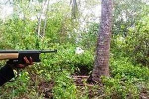 Vào rừng đặt bẫy thú, người đàn ông bị bắn thủng bụng