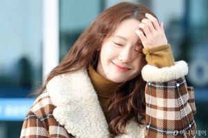 BTS lộ rõ vẻ mệt mỏi với lịch trình dày dặc, Yoona (SNSD) đẹp tựa nữ thần tại sân bay