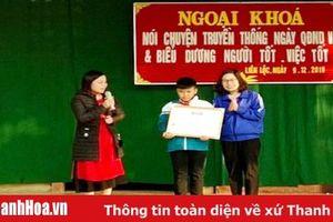 Tỉnh đoàn tặng giấy khen cho học sinh lớp 5 nhặt được của rơi trả lại người đánh mất