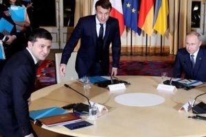 Hai nhà lãnh đạo Nga, Ukraine gặp mặt nhau lần đầu tiên tại Paris