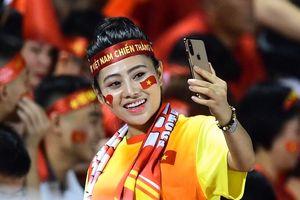 CĐV tiếp lửa cho đội U22 Việt Nam ở chung kết SEA Games
