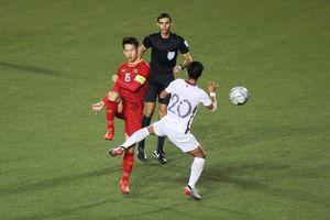 Chung kết bóng đá nam SEA Games 30: Dùng khoan 2 mũi, chờ phá bê tông
