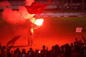 Chảo lửa Lạch Tray đỏ rực đêm U22 VN giành HCV SEA Games
