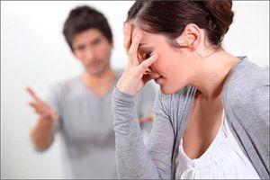 Không muốn sống chung nhà với người vợ 'bo bo' giữ tiền