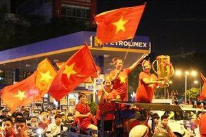 Cách giúp bạn tỉnh táo sau đêm đi 'bão' ăn mừng chiến thắng của đội tuyển Việt Nam