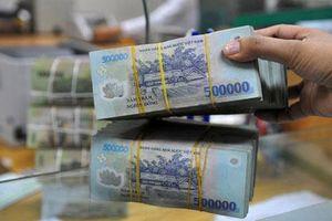 Người Việt chọn tiết kiệm thay vì mua sắm, du lịch