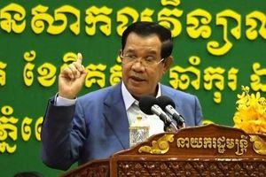 Thủ tướng Hun Sen bênh vực cầu thủ gốc Việt sút trượt penalty