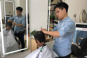 Cắt tóc miễn phí cho người nghèo