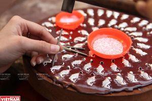 Phố Hàng Bạc - nơi chế tác kim hoàn và bán đồ mỹ nghệ vàng bạc