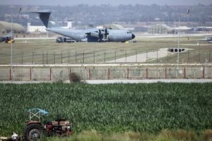Thổ Nhĩ Kỳ sẽ cấm Mỹ sử dụng các căn cứ quân sự để đáp lại lệnh trừng phạt của Quốc hội Mỹ do họ mua hệ thống S-400 của Nga