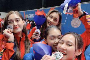 Ngắm nhìn nhan sắc ngọt ngào của nữ VĐV đoạt HCB bộ môn Kiếm chém Sea Games 30