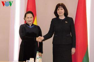 Chủ tịch Quốc hội hội đàm với Chủ tịch Thượng viện Cộng hòa Belarus