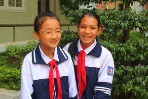 Hà Nội: 2 học sinh trường THCS Gia Thụy trả lại 20 triệu đồng cho người đánh rơi
