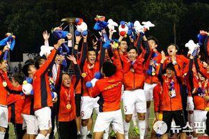 U22 Việt Nam: Cất HCV SEA Games, lại lên đường thôi!
