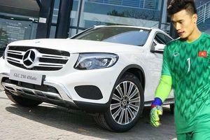 Lộ diện doanh nhân tặng thủ môn Bùi Tiến Dũng xe Mercedes GLC 250 trị giá 2,2 tỷ đồng