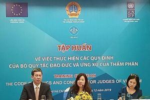 Nâng cao thi hành Bộ quy tắc đạo đức và ứng xử của Thẩm phán