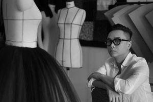Triển lãm 'Cục im lặng': Hành trình duy mĩ cùng thời trang