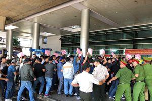 Cận cảnh buổi diễn tập khẩn nguy tại sân bay Tân Sơn Nhất