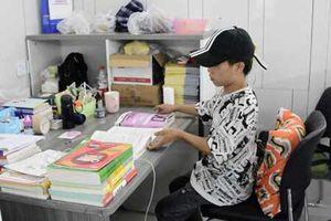 Sĩ tử Trung Quốc chi gần 500 USD thuê phòng học riêng