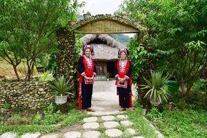Hà Giang: Thanh niên Dao Đỏ làm du lịch cộng đồng