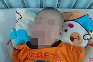 Lần đầu mổ nội soi thắt ống ngực, cứu sống cháu bé 3 tháng tuổi bị nguy kịch