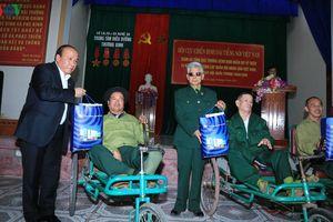Hội cựu chiến binh VOV thăm, động viên các thương binh tại Quân khu 4