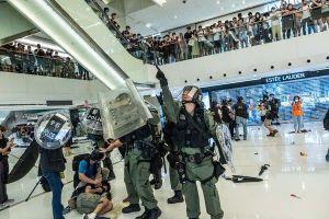 Biểu tình rầm rộ tại các trung tâm thương mại Hồng Kông
