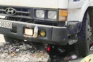 Bị xe tải tông khi đi ăn giỗ về, 2 người thương vong
