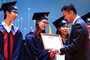 Sinh viên xuất sắc được xét tuyển công chức từ 1-7-2020