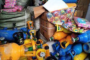 Phát hiện lượng lớn bình khí cười cung cấp cho vũ trường ở Đà Nẵng