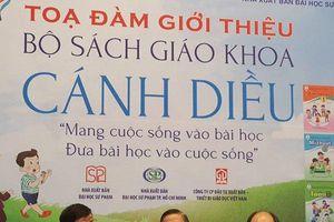 SGK chương trình GDPT mới: Cán bộ dự giờ không thể 'bắt' giáo viên từng chữ
