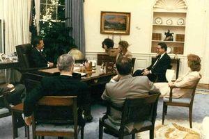 Khả năng biến hóa khôn lường của trùm cải trang CIA