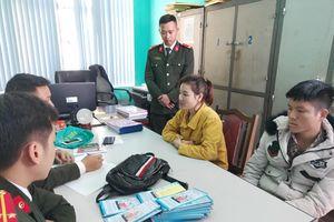 Nữ công nhân tuyên truyền Pháp luân công trái phép tại Quảng Ninh