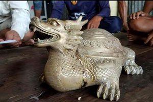Xác minh nguồn gốc, niên đại của tượng thú lạ ngư dân nhặt được trên biển