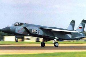 Nga 'hồi sinh' máy bay chiến đấu Yak-141 có thể diệt gọn F-35B của Mỹ?
