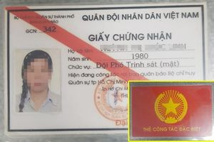 Dùng 'thẻ bất khả xâm phạm' dỏm dọa CSGT