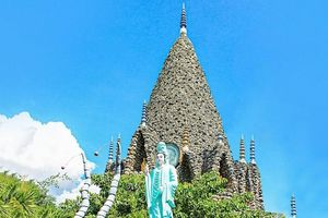 Đầu năm 'xin lộc' những ngôi chùa nổi tiếng nhất miền Trung