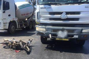Tên trộm tông vào đầu xe tải trên đường trốn chạy