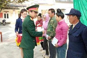 'Cảm ơn các chú bộ đội thành phố Điện Biên Phủ…'