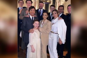 Vợ chồng Beckham tổ chức lễ nhận bố mẹ nuôi cho các con