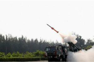 Ấn Độ khoe tên lửa đất-đối-không phản ứng nhanh hoàn toàn mới