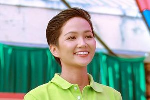 Hoa hậu H'Hen Niê gây quỹ hơn 22.000 USD xây thư viện tại trường học