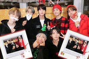 Bật mí sân khấu giáng sinh đặc biệt của BTS trước thềm Gayo Daejun: Jungkook hóa Santa Claus, V hát Jingle Bells