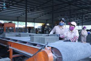 Sản xuất gạch không nung: Lợi ích nhiều mặt