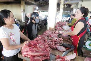 Chợ thịt lợn thời đội giá