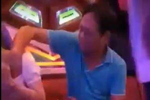 'Quan huyện' Đắk Lắk sờ ngực nữ tiếp viên quán karaoke: Đạo đức công chức ở đâu?