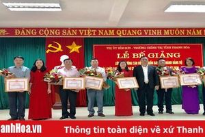 Bế giảng lớp bồi dưỡng cán bộ dự nguồn BCH Đảng bộ và các chức danh lãnh đạo chủ chốt thị xã Bỉm Sơn