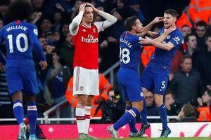 Hàng thủ mắc lỗi, Arsenal thua cay đắng Chelsea