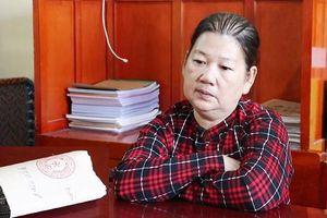 Tạm giữ 'nữ quái' 53 tuổi trốn tuy nã vẫn tiếp tục hành 'nghề móc túi'